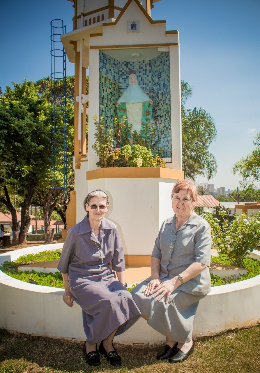 Irmã Luzia e Irmã Benedita